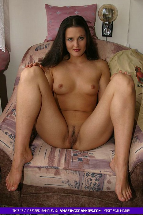 Steaming milf pussy pictures