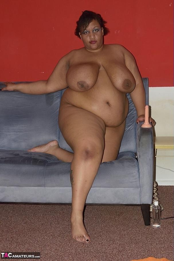 Obese ebony pussy