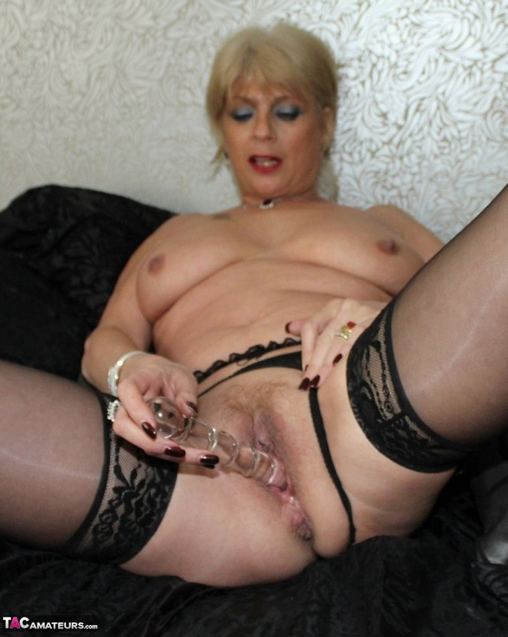 Amateur blonde girl dildo fucking pussy 2