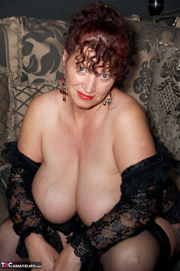 Chubby And Curly Brunette Milf In Sexy Black Lingerie -3245