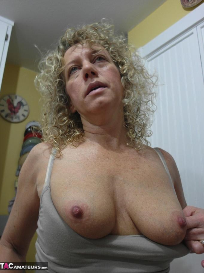 college girls nude undress