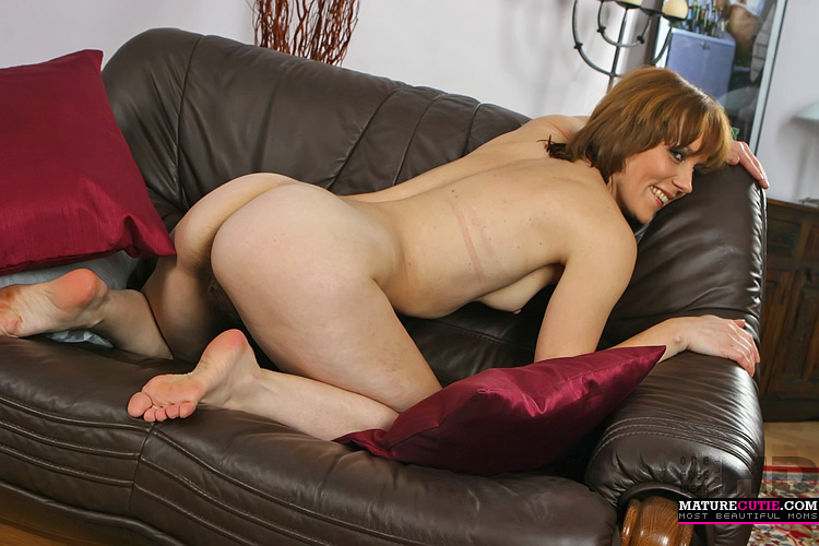 Couch pantyhose porn links-9810