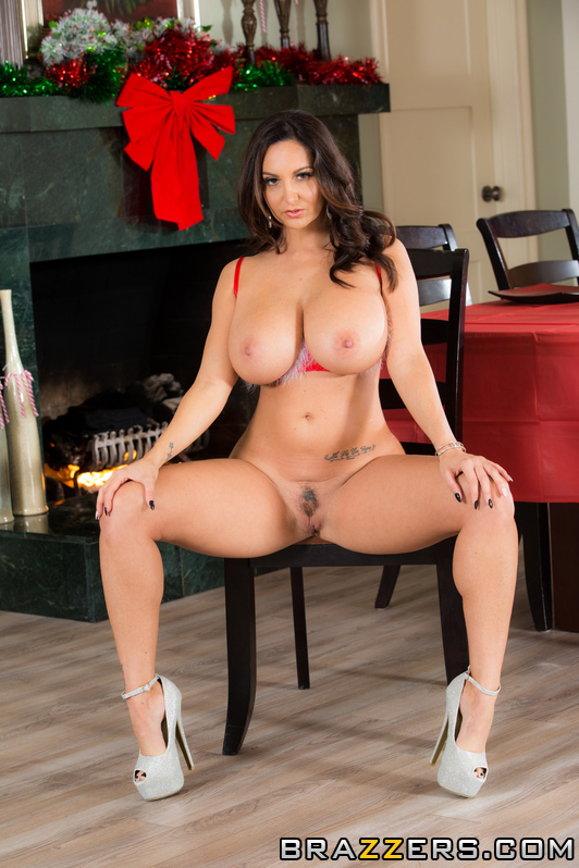 Ava Addams Christmas.Brunette In Red Dress Celebrates Christmas Xxx Dessert