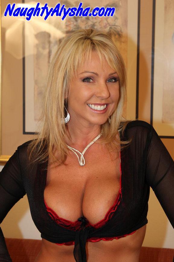 Raunchy blonde momma wearing pearl necklace - XXX Dessert ...