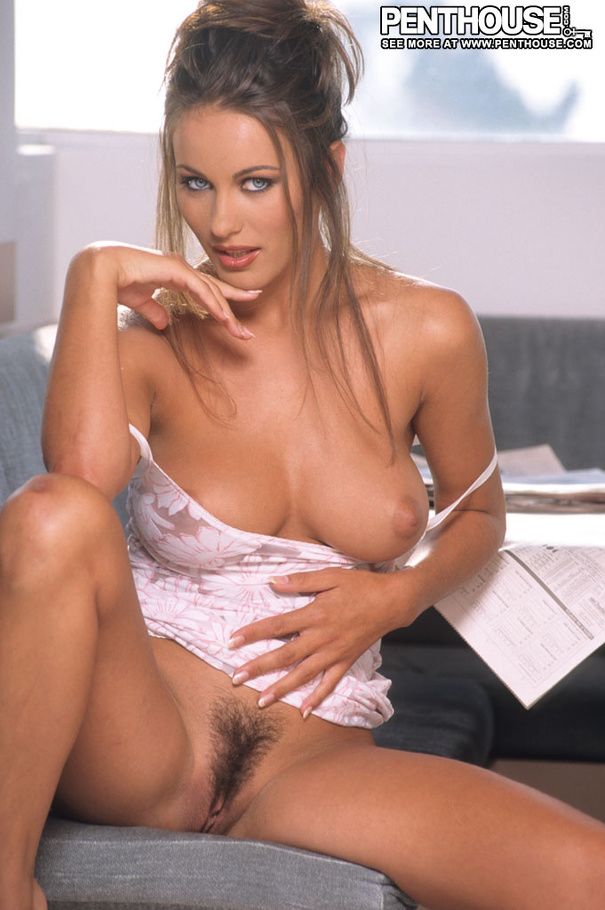 Alluring Hottie Shows Her Big Tits And Lusc - Xxx Dessert -9831