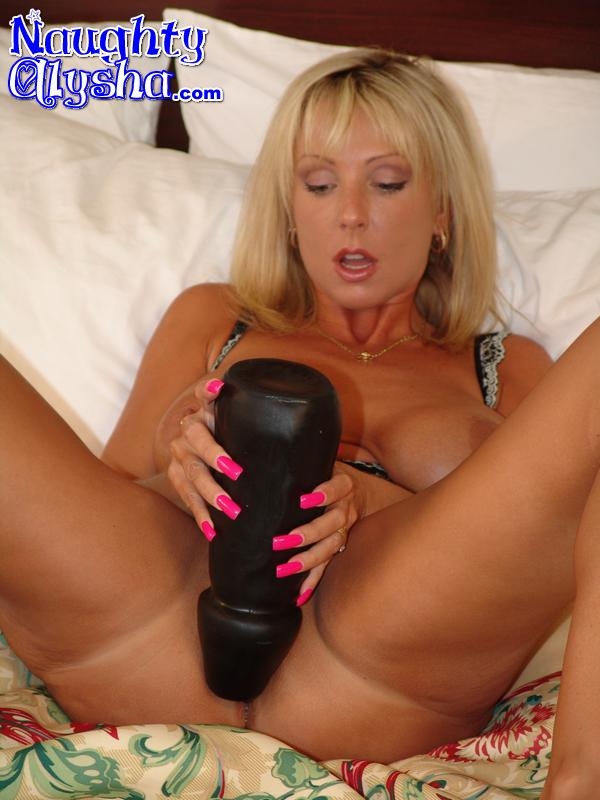alysha black dildo huge Naughty