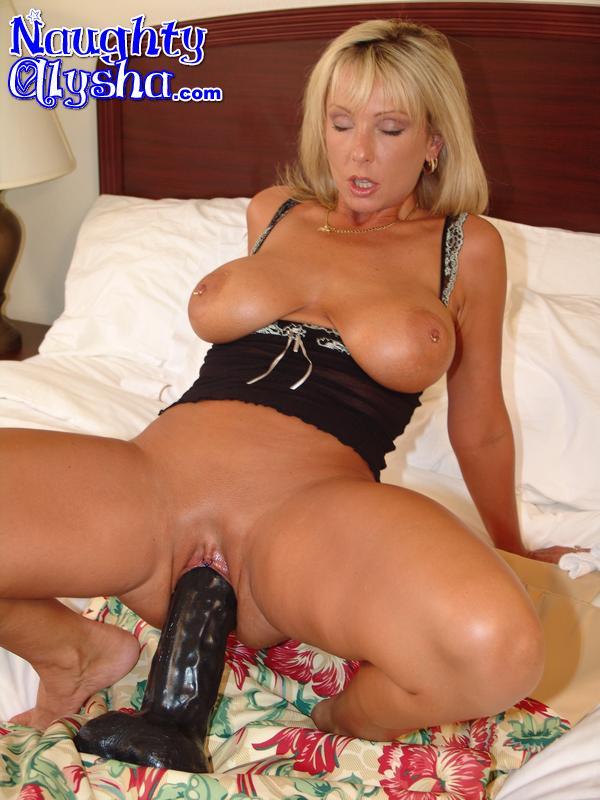 Busty Blonde With Amazing Cougar Body Weari - Xxx Dessert -2560