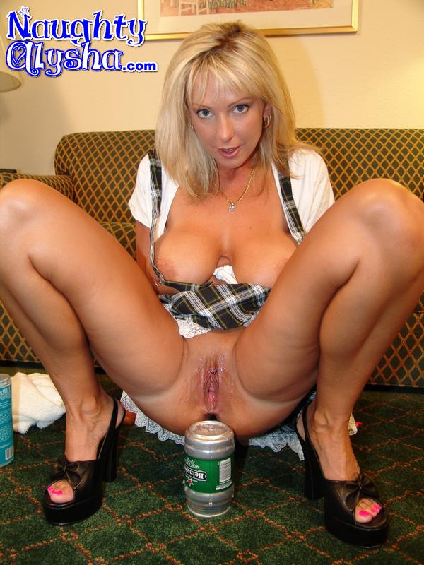 Huge milf cans can