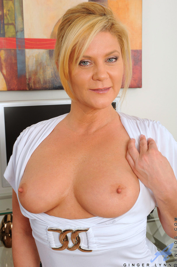 Blonde office milf cums multiple times using her magic wand ...