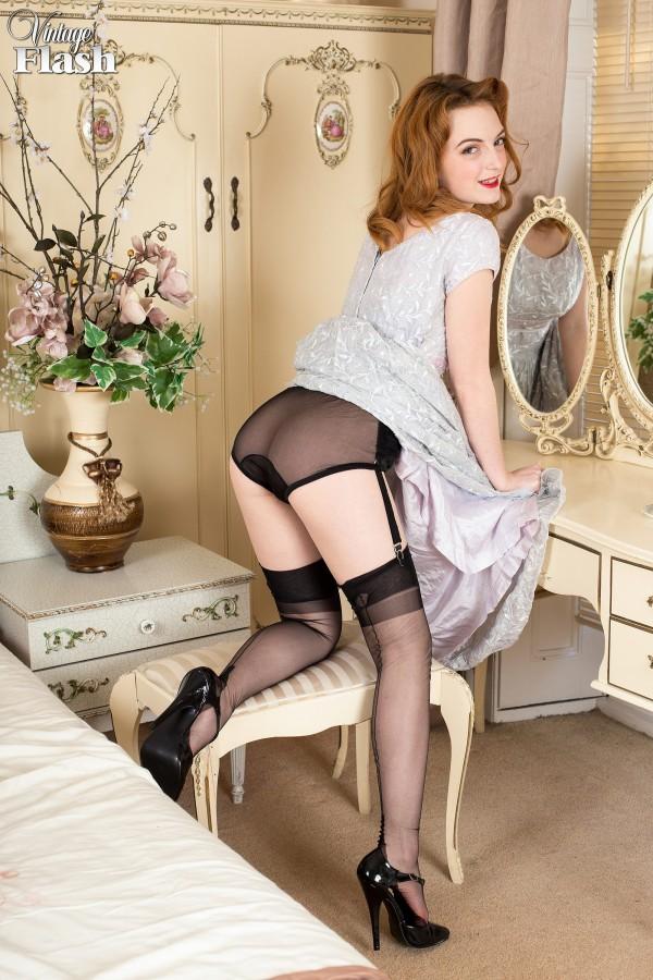 gay-anal-vintage-dress-porn-fotos