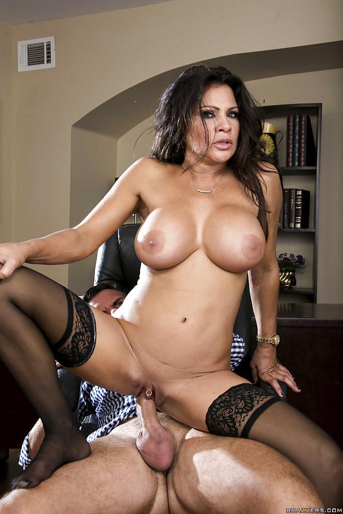 Teri weigel boobs hot naked pics