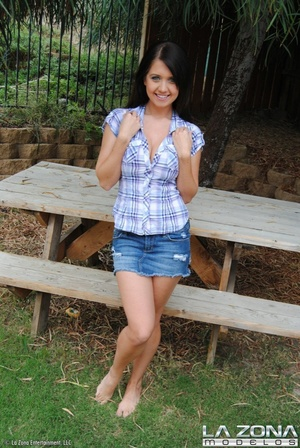 Chrissy wears no panties under her denim - XXX Dessert - Picture 4