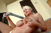 lusty chubby housewife with