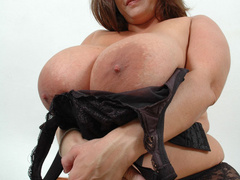 Super busty brunette fat wife posing in her sexy black - Picture 7