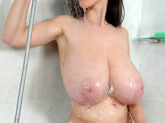 Perfect ass and big tittied youn babe taking a shower on - Picture 4
