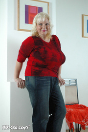 bbw blonde housewife with