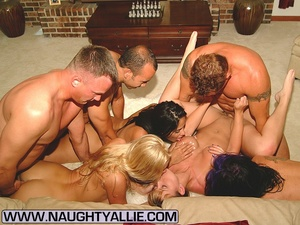 Real Amateur Couples Fucking In Big Orgy - XXX Dessert - Picture 5