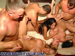 Real Amateur Couples Fucking In Big Orgy - XXX Dessert - Picture 8