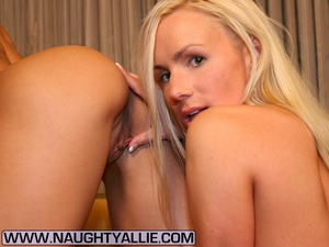 Hot Bisexual Wives Finger And Lick Pussy - XXX Dessert - Picture 13