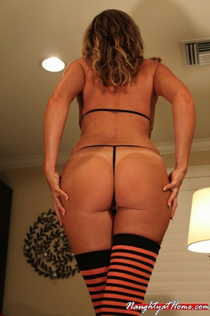 Hot Milf in Fetish Stockings Craving New - XXX Dessert - Picture 4