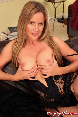 Naughty milf in lingerie and stockings w - XXX Dessert - Picture 9