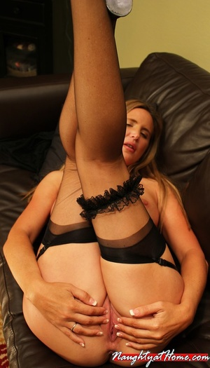 Naughty milf in lingerie and stockings w - XXX Dessert - Picture 16