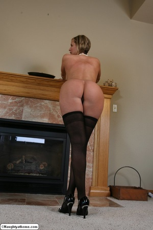 Hot in Bustier & Stockings - XXX Dessert - Picture 18
