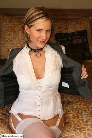 Naughty wife wearing slave collar - XXX Dessert - Picture 9
