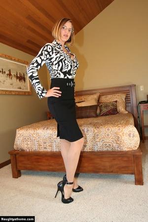 Sexy Blonde Milf Wife Strips for Her Sug - XXX Dessert - Picture 3