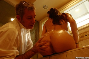 Young slut giving heart attack to a dirt - XXX Dessert - Picture 7