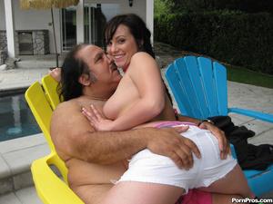 Young slut jumps on Ron Jeremy's fat dic - XXX Dessert - Picture 3
