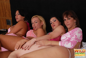 Redhead shemale riding shecock in orgy - XXX Dessert - Picture 3