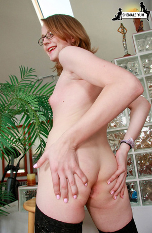 Cute girl next door t-girl - Picture 14