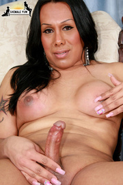 ebony tranny who loves