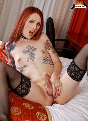 Hot shemale with tattoos and piercings! - XXX Dessert - Picture 10