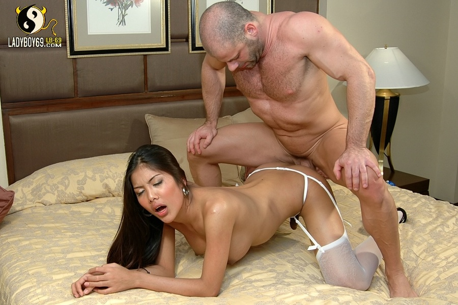 asian-transexual-fucked-by-white-man-indian-sex-post