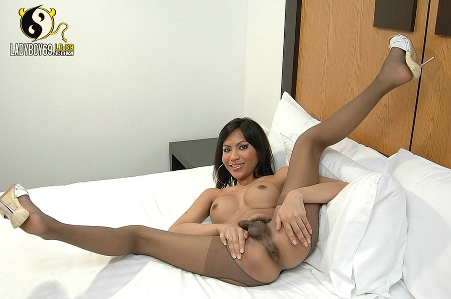 Asian extreme hose in pantie shemale