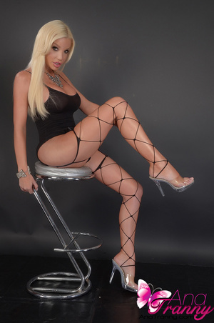 Sexy blonde tranny in black lingerie and - XXX Dessert - Picture 10