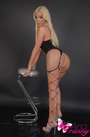 Sexy blonde tranny in black lingerie and - XXX Dessert - Picture 11