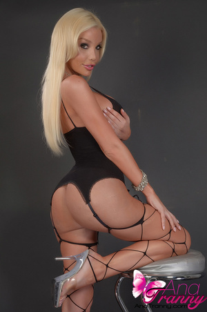 Sexy blonde tranny in black lingerie and - XXX Dessert - Picture 12