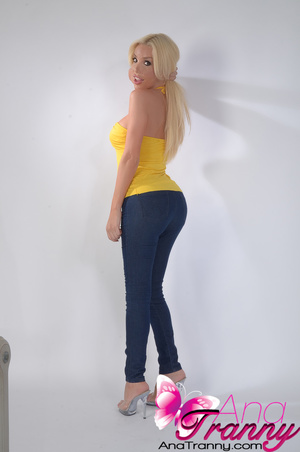 Sexy blonde tranny with huge tits wearin - XXX Dessert - Picture 3