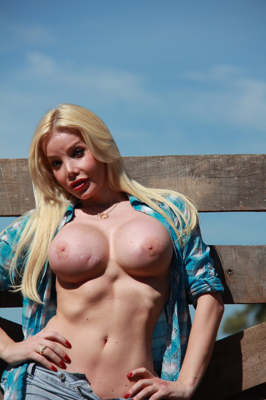 Country Girl Shemale With Cowsized Tits Nee - Xxx Dessert - Picture 12-3700