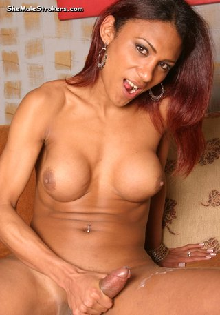 gislene sexy big-breasted t-girl