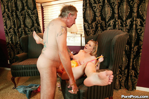 Cute blonde girl fucks dude that looks l - XXX Dessert - Picture 12