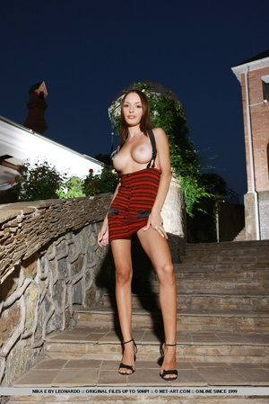 Slender figure with large perky breasts, - XXX Dessert - Picture 2