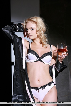 Erotic poses and artistic compositions b - XXX Dessert - Picture 4