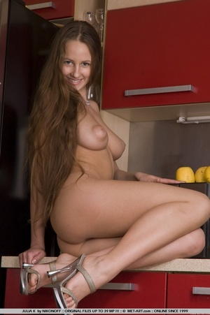 Shapely model with curvaceous build and  - XXX Dessert - Picture 13