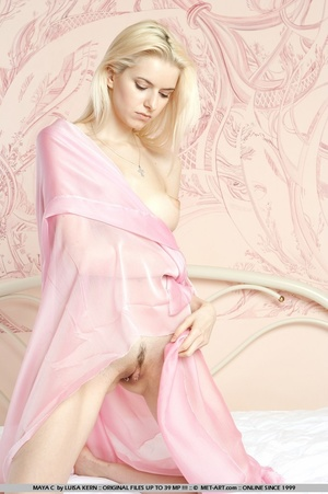 Mesmerizing vision of stunning blonde wi - XXX Dessert - Picture 4
