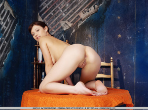 Spunky new model in her room late at nig - XXX Dessert - Picture 13
