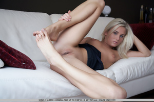 Waking up naked in someone elses house a - XXX Dessert - Picture 5